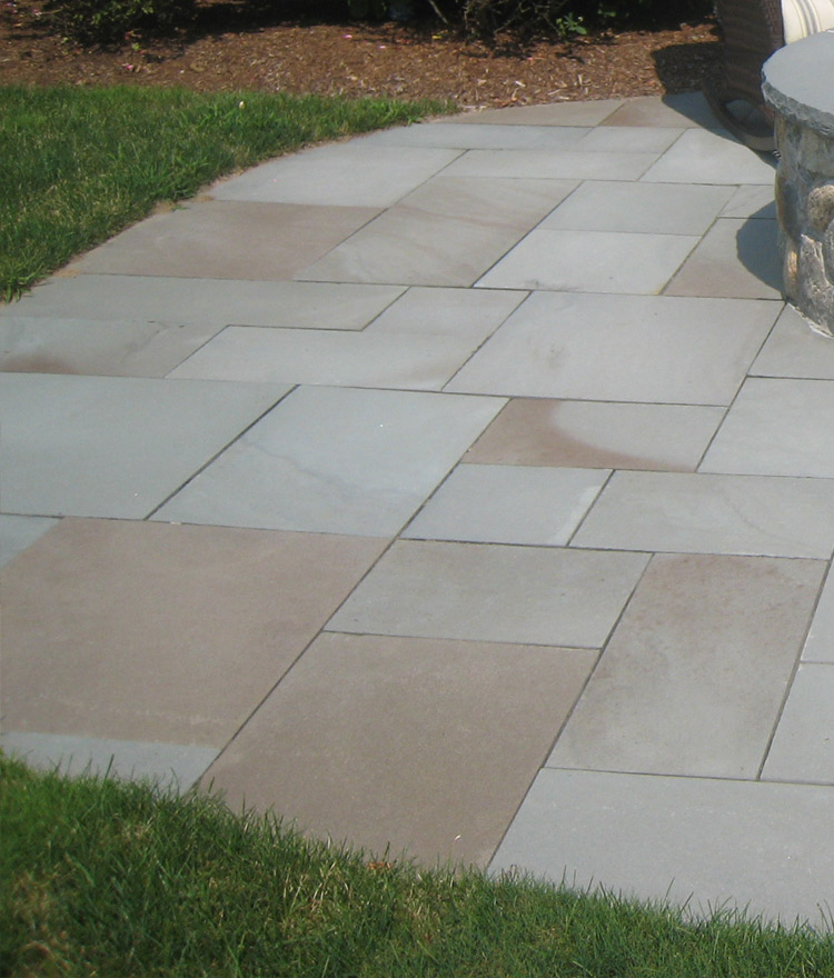PA Bluestone Pavers Installed Patio Pavers Thermal Variegated ...